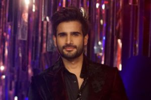 Karan Tacker to host YRF's Bollywood Awards