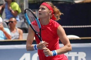 Lucie Safarova out of Beijing with wrist injury