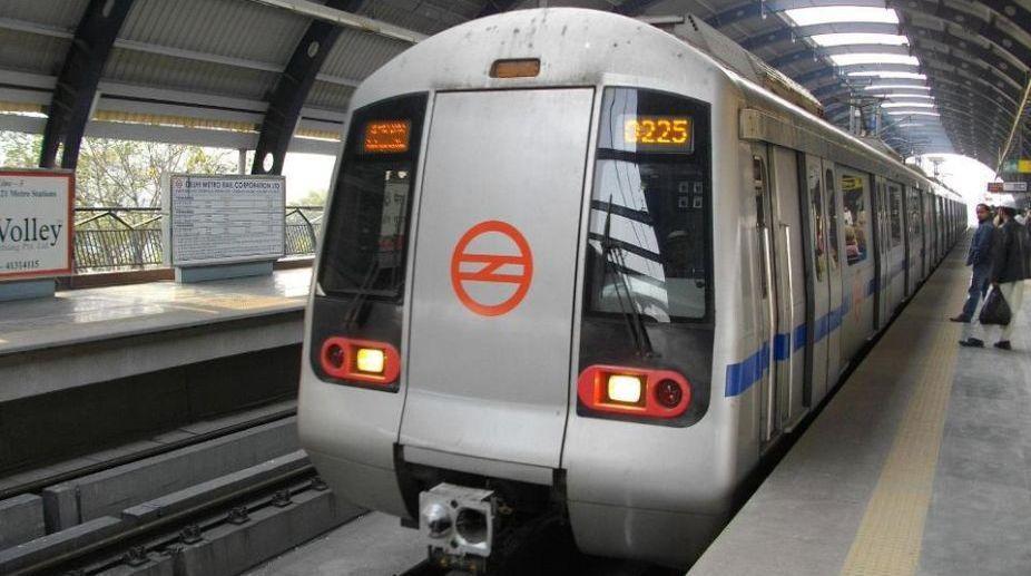 highway, Delhi Metro, Metro