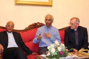 Father Tom Uzhunnalil meets priests in Bengaluru