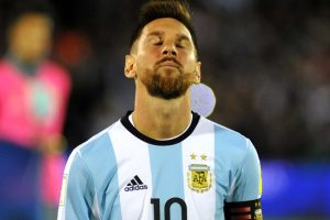 Argentina, Chile seek advantage in South America race