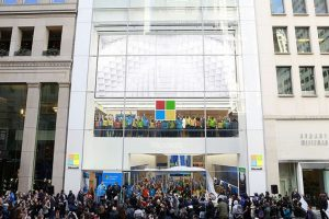 Microsoft to open flagship store opposite Apple Store in London