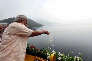 PM Modi dedicates Sardar Sarovar Dam to the nation on his 67th birthday