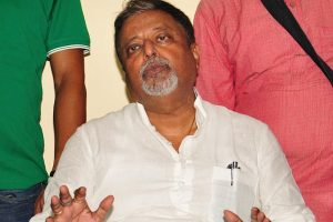 Mukul Roy meets Governor over Biswa Bangla logo row