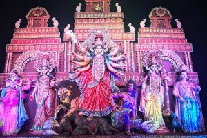 Italian tourists will love artistic creations at Durga puja