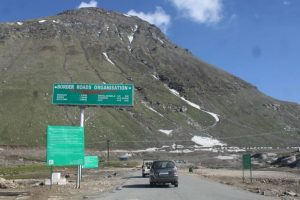 Rohtang Pass ropeway project gets thumbs down from Virbhadra