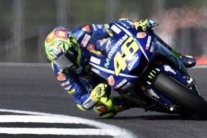Yamaha rider Valentino Rossi breaks leg in crash