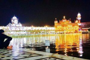 Akshay Kumar visits Golden Temple, feels surreal