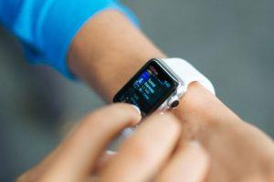 Apple Watch to help smartwatch shipments hit 71.5 million by 2021: IDC