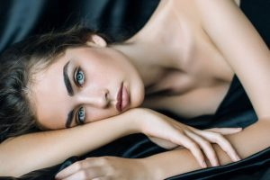 How to remove makeup without hurting your skin