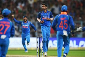 5th ODI: Bhuvi, Bumrah come in as India bowl first in Nagpur