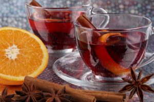 When it's cold, drink cinnamon tea