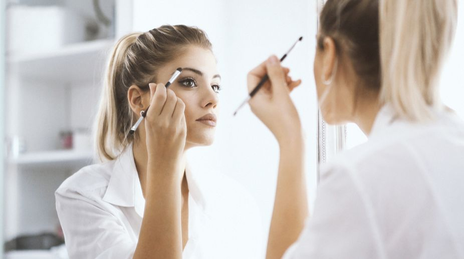 Eye Makeup For Contact Lens Wearers