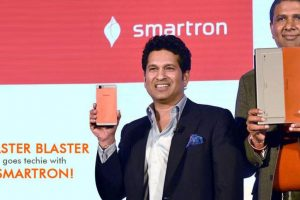 "Flipkart partners with Sachin's Smartron to design, engineer smartphones for its ""Billion"" brand"
