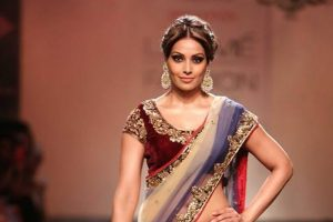 Karva Chauth Special: B-town beauties in ethnic wear