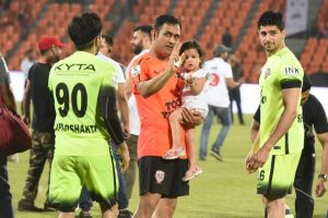 Dhoni's daughter Ziva steals hearts in backdrop of daddy's football heroics
