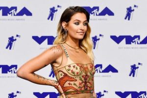 Paris Jackson helps relief efforts in Puerto Rico