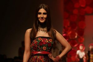 Vaani Kapoor slays as Bond girl