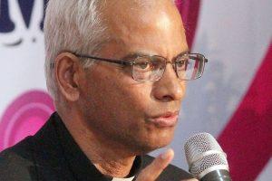 Rescued Catholic priest arrives in Kerala