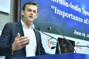 Pick and stick with Ashes wicketkeeper: Adam Gilchrist to selectors