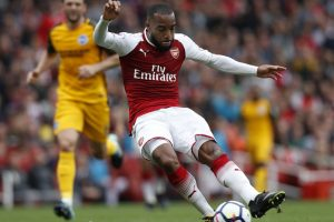 Premier League: Arsenal beat Brighton 2-0