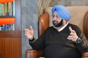 Amarinder urges Swaraj to take up Sikhs' 'forced conversion' issue with Pak