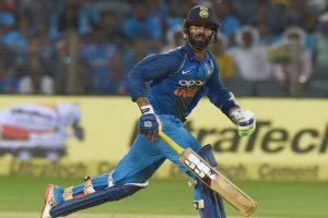 2nd ODI: Dhawan, Karthik guide India to 6-wicket victory