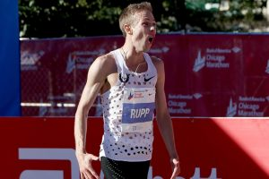 Galen Rupp, Tirunesh Dibaba win first major marathons at Chicago