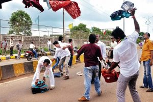 MNS activists attack non-Maharashtrian workers, 7 held