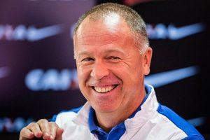 Former Brazil coach Mano Menezes extends Cruzeiro deal