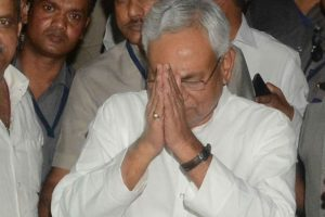 Nitish meets family members of CRPF jawan killed in J-K