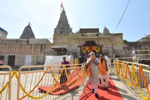 PM begins his busy Gujarat tour with prayers at Dwarkadheesh Temple