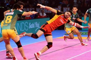 PKL Season 5: Rohit creates history as Bulls beat UP Yoddha 64-24