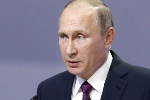 Vladimir Putin signs foreign agent media law