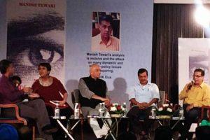 Yashwant Sinha shares dais with Kejriwal, Manish Tewari