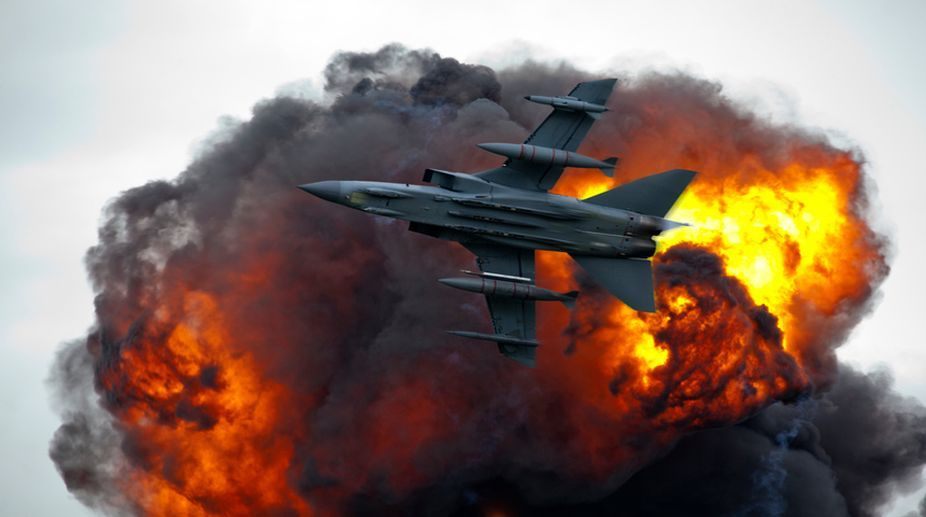 Air strikes, Syria assault looms, military reinforcements