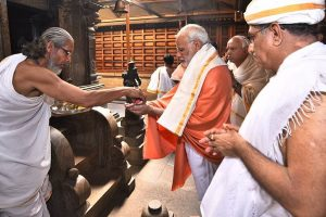PM Modi offers prayers in Karnataka's Dharmasthala temple; addresses rally