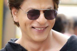 SRK sings birthday song for Salman Khan