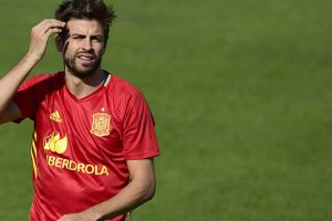Gerard Pique in spotlight as Spain look to clinch World Cup berth