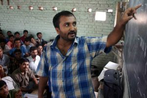 I trust Vikas Bahl with my life story: Anand Kumar
