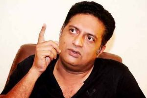 Match over before it began, now be ready for 'muddy politics': Prakash Raj