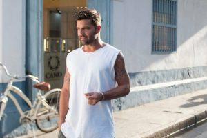 Ricky Martin dedicates charity award to Puerto Rican residents