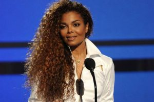 Janet Jackson 'at war' with estranged husband