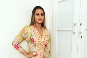Sonakshi asks 'Om Shanti Om' contestant to playback for her