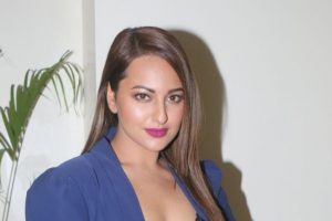 Sonakshi Sinha gets in Kalank mode