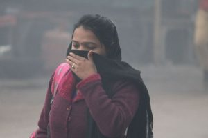 Dense fog in Delhi, air-quality turns 'severe'
