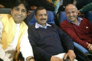 My statements against Jaitley based on Kejriwal's information, Kumar Vishwas tells Delhi HC