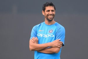 Kotla T20I: Kapil Dev wishes Ashish Nehra ahead of farewell match