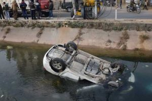 Two youths die, three escape narrowly as car drowns in Yamuna