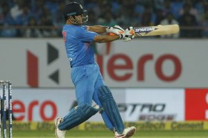 3rd T20I: Focus on MS Dhoni's batting order as India face New Zealand